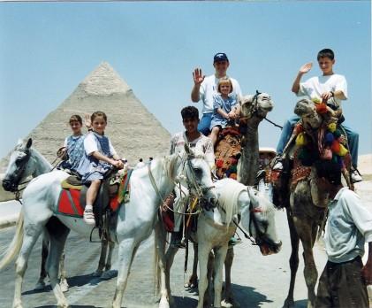 becca-garber-family-egypt-pyramids (1)