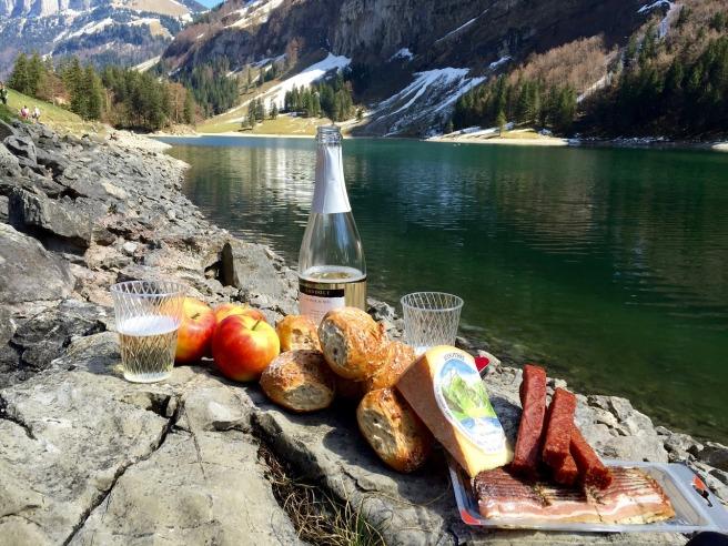 picnic-1325230_1280