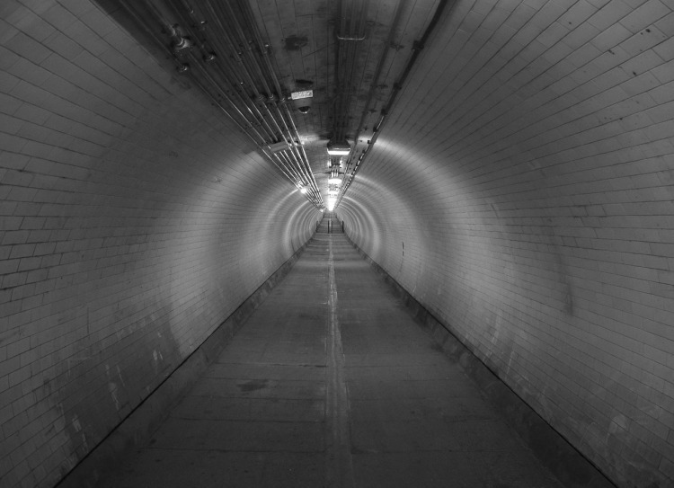tunnel-746185_1280