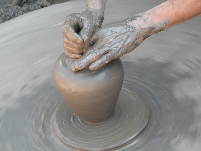 clay-2556725_1920